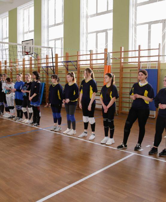 Турнир по волейболу между сборными командами ОМЛ и Садово-архитектурного колледжа